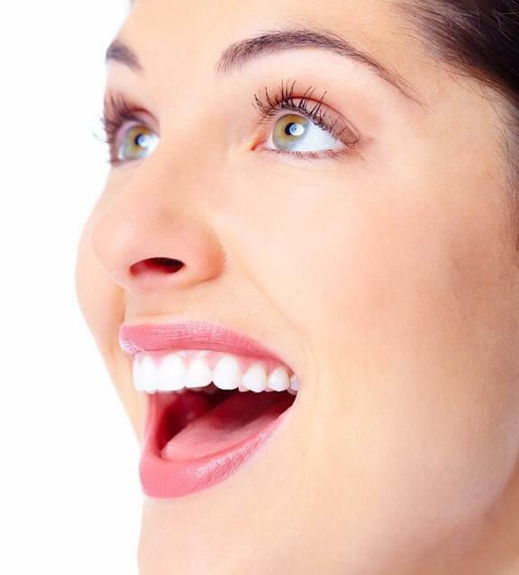 common cause of bleeding gums